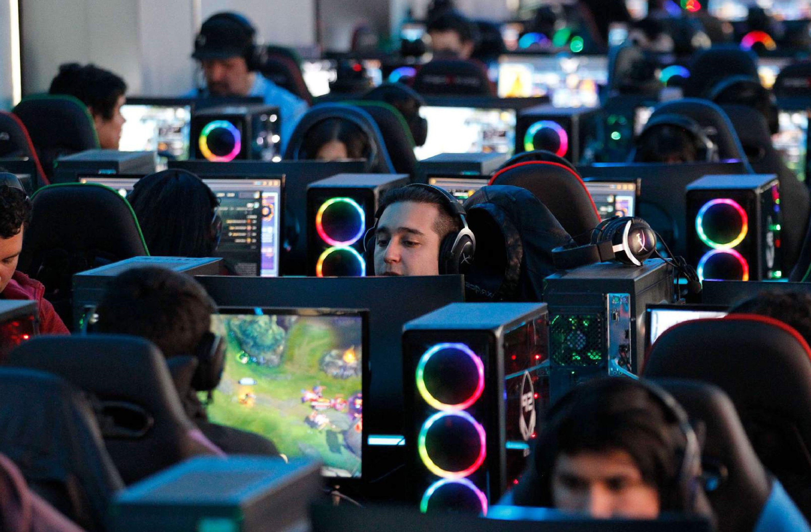 ​Top Games for Cyber Cafe